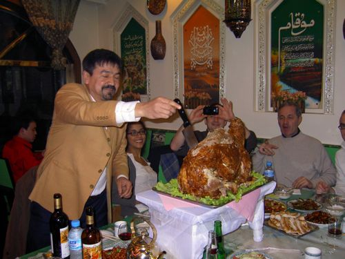 the Uyghur Al Pacino showing how its done!